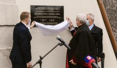 Odhalenie pamätnej tabule P. Gojdičovi v Leopoldove (25.5.2020)
